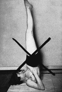 Лечение сколиоза с помощью йоги. Перевернутые асаны.